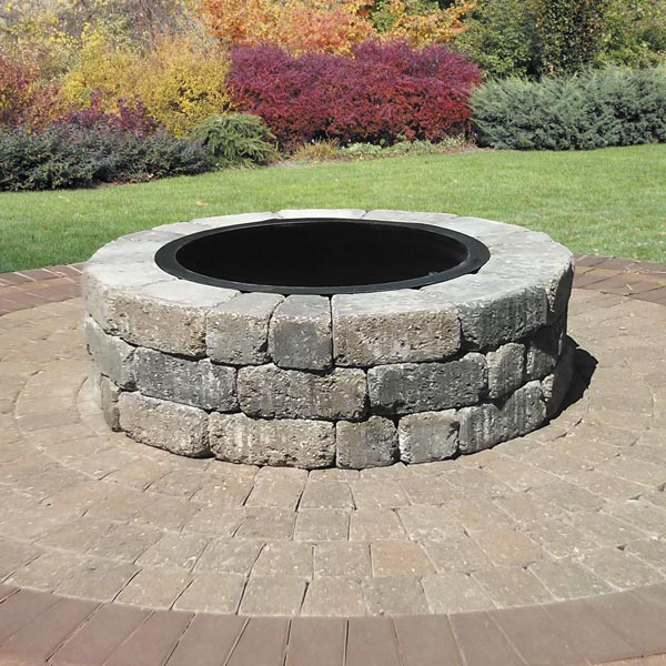 Century Series Cobble circle kit with Madera fire pit
