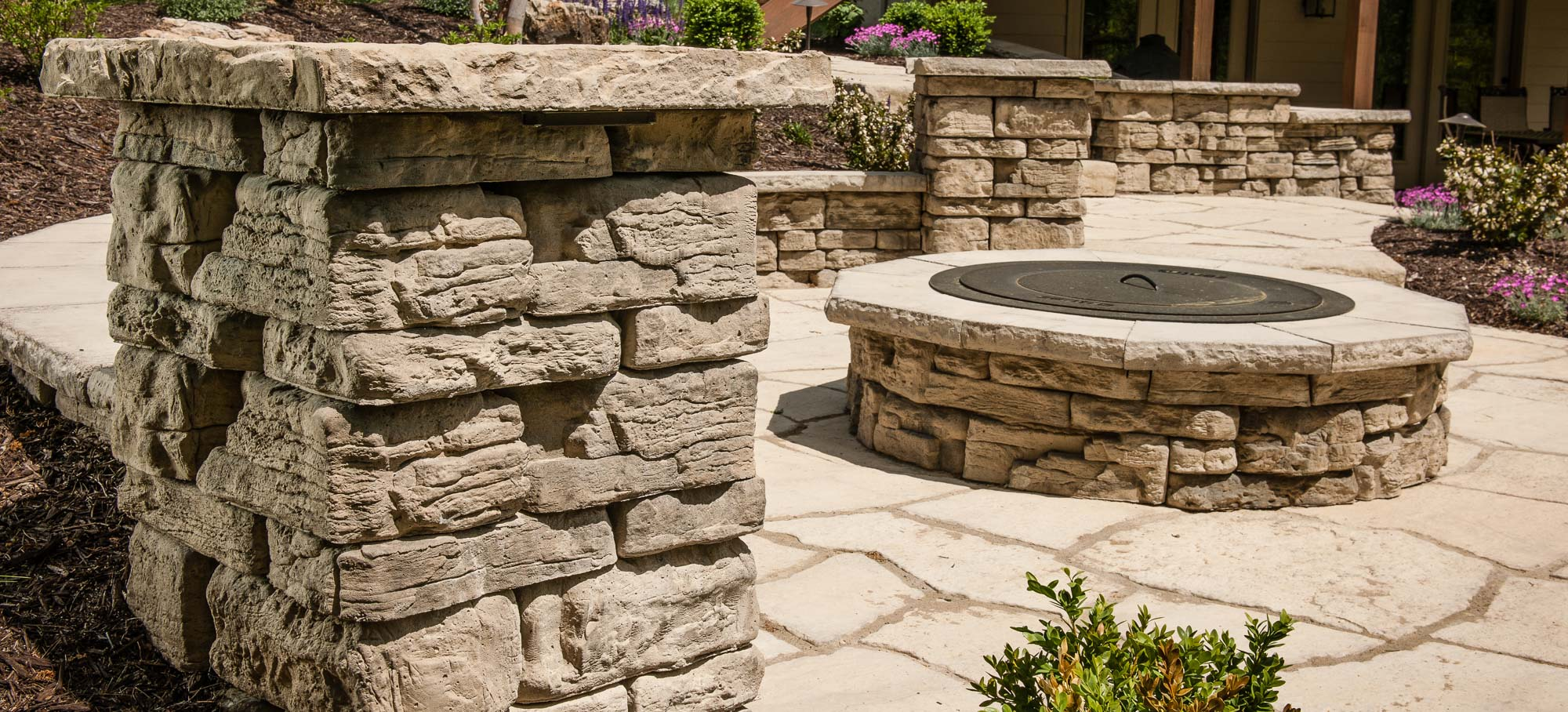 Belvedere Wall Block Creates The Look Of Natural Hewn Stone