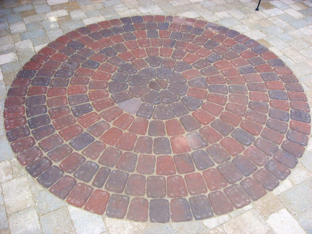 Paver Circle Kit Allows You To Add Interest And Curves To